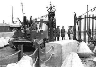 La verja de Gibraltar durante la II Guerra Mundial (click para ampliar)