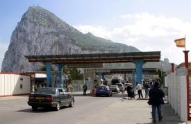 Frontera entre España y Gibraltar (click para ampliar)