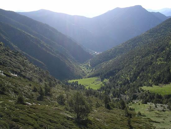 Vista de Os de Civ�s desde el Coll de Conflent
