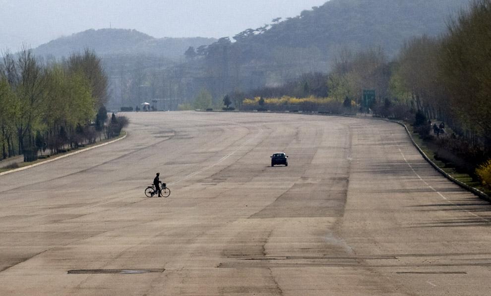 Las autopistas desiertas de Corea del Norte