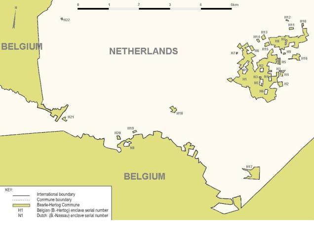 Mapa de Baarle Hertog y Baarle Nassai indicando los enclaves de cada país, formando un puzzle complicadísimo