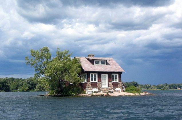 Thousand_Islands_single_house