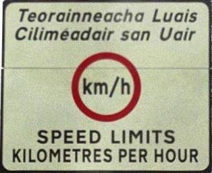 Irish_border_sign_mediumres