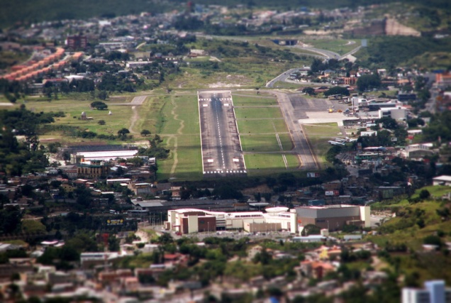aeropuerto-toncontin-tegicigalpa-2