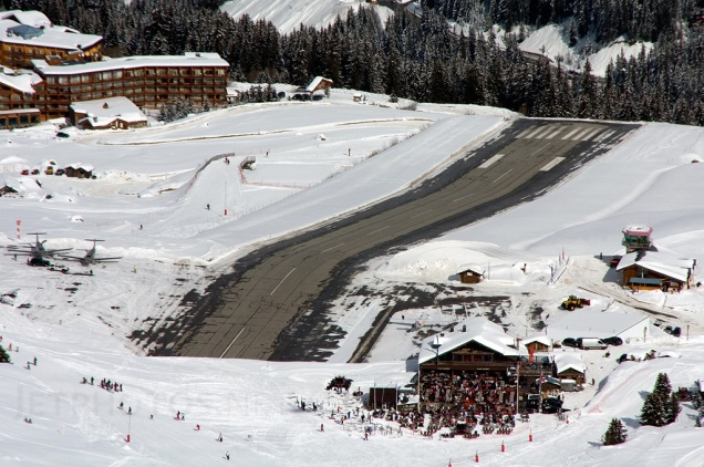 Courchevel_Airport_1