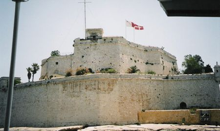 800px-St-Elmo-Malta