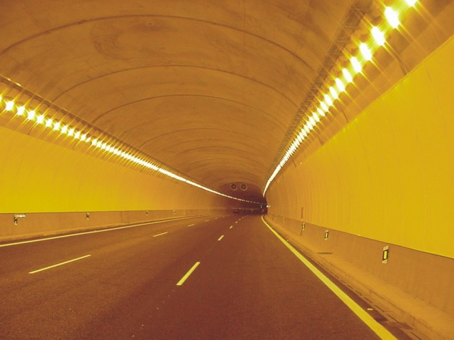 Túnel autovía N340