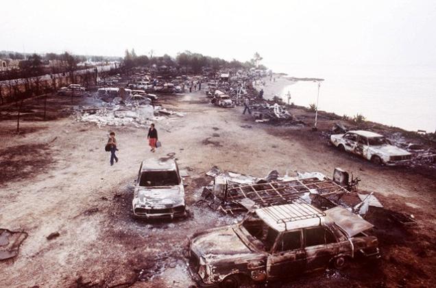 RETRO-LOS ALFAQUES-CAMPING-GAS EXPLOSION