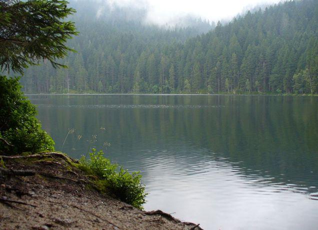 1280px-certovo_jezero6