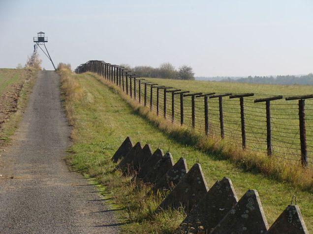 border_fence_cizov_czechrep